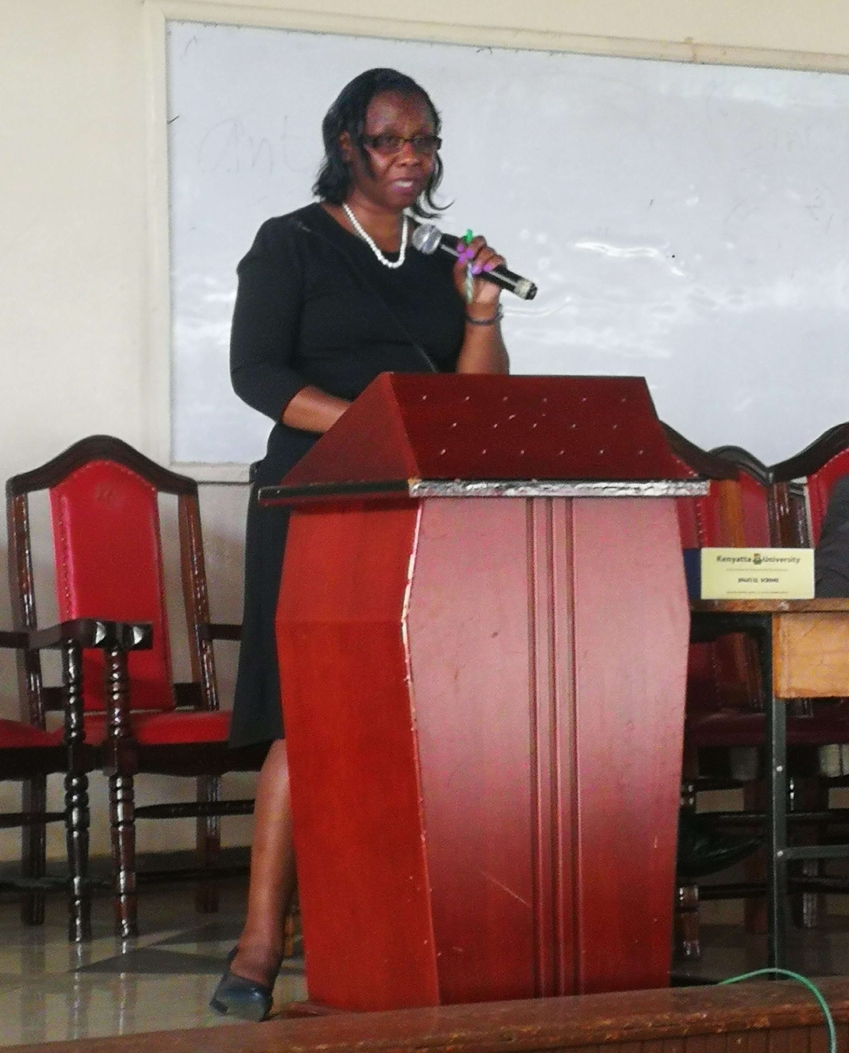 DR. Rhoda Gitonga-DSVOL, orienting students on use of the LMS and social media netiquette.