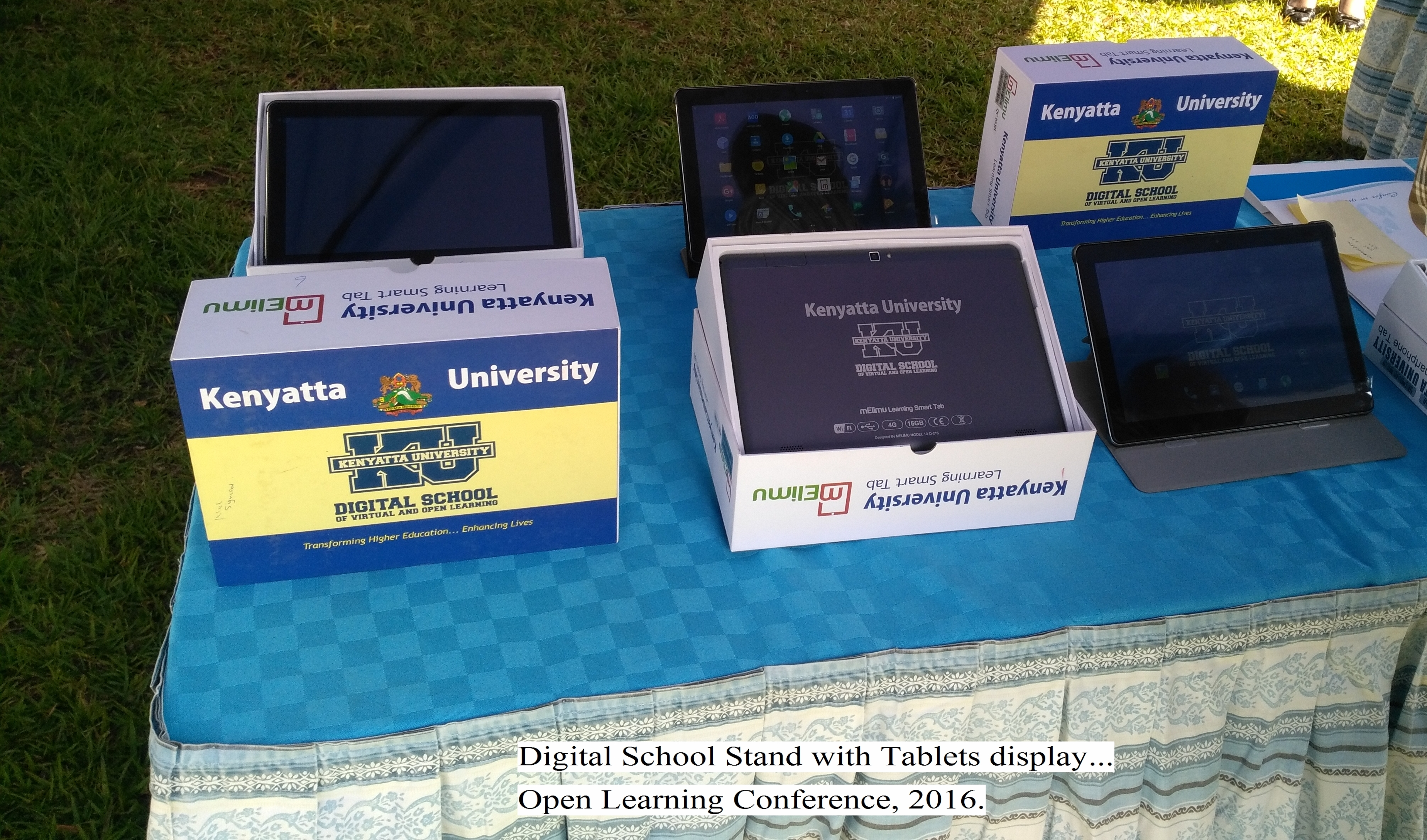 Digital School Stand with Tablets Display