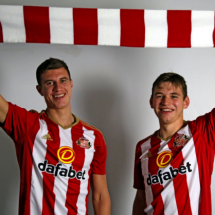 Done deal, Moyes sign two Manchester United Players