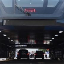 China elevated bus that straddles traffic unveiled