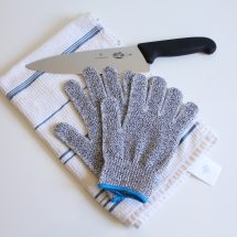With these cut resistant gloves you are fine
