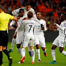 Pogba scores first-half winner for France