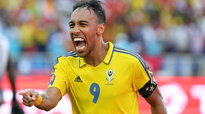 Gabon's forward Pierre-Emerick Aubameyang celebrates after scoring a goal during the 2017 Africa Cup of Nations group A football match between Gabon and Guinea-Bissau at the Stade de l'Amitie Sino-Gabonaise in Libreville on January 14, 2017. / AFP PHOTO / Steve JORDAN