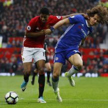 Carragher surprised by Luiz performance at Old Trafford